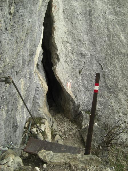 Spalte am Julius-Mayr-Weg