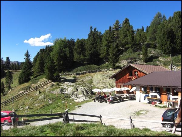 Aifneralm in Tirol bei der Alpenüberquerung