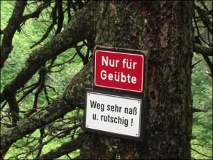 Warnschilder Bodenschneidhaus