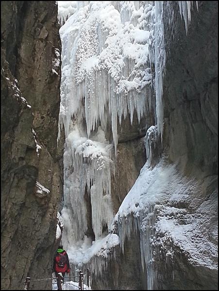 Winter in der Partnachklamm bei Garmisch-Partenkirchen