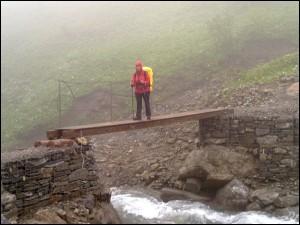 Brücke in den Alpen