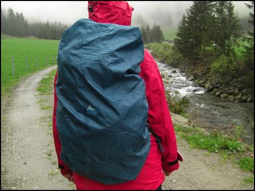 Rucksacktest im Regen