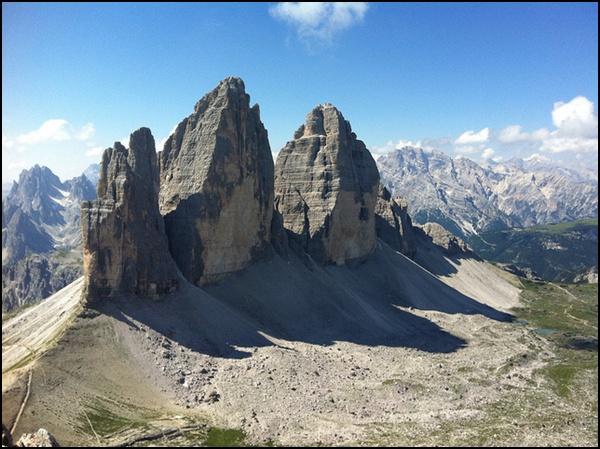 Gipfelblick vom Paternkofel auf die Drei Zinnen