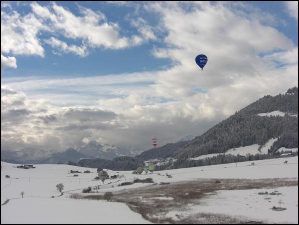 Ballonfahrer im Kaiserwinkl