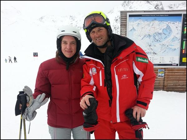 Skilehrer und Schülerin