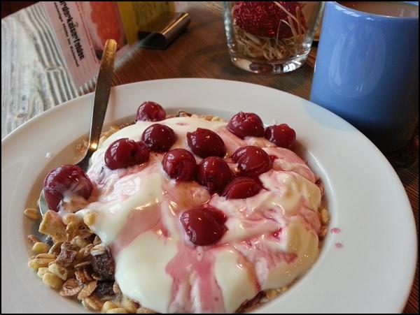 Frühstück Vorderkaiserfeldenhütte