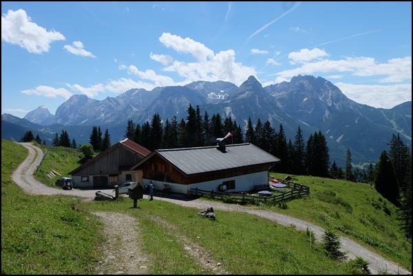 Tuftlalm und Wettersteingebirge