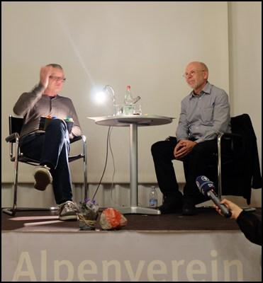 Bene Benedikt im Alpinen Museum (alle meine Bilder sind unscharf, zu viel Action auf der Bühne!)