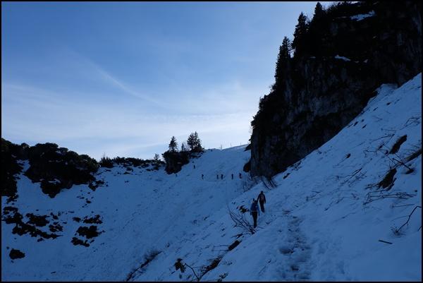 Aufstieg im Schnee zum Hochfelln