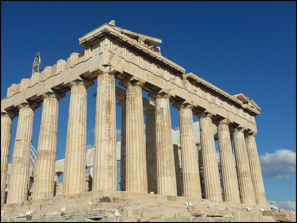 Phantasie: wie sah die Akropolis wohl bunt aus, ohne all die Ipad-Selfie-Touristen?