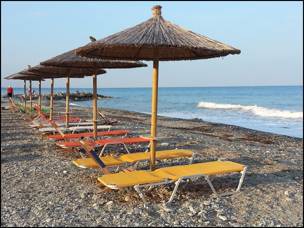 Luxus Zeit: Rund um die Chalkidiki Halbinsel fahren und halten wo und wie lange man Lust hat!
