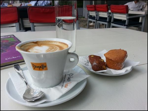 Süß: Leckereien zum Cappucino in Thessaloniki