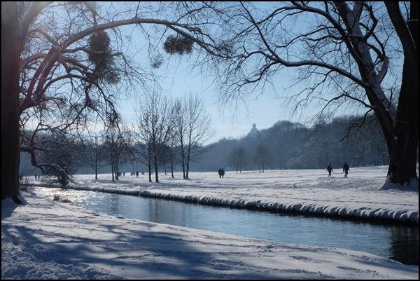 Eisbach im Englischen Garten in München