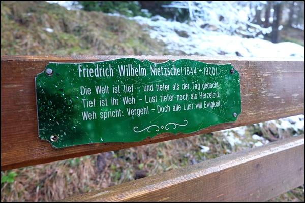 Nietzsche-Zitat am Philosophenweg bei Garmisch