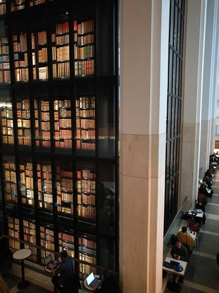 British Library - ein Stück vom Paradies. Mit kleinem Museum, Cafés, Shop und ganz viel Büchern. | London Highlights