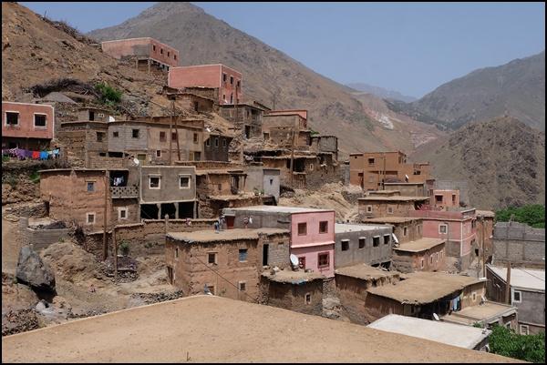Dorf nahe Imlil im Hohen Atlas in Marokko