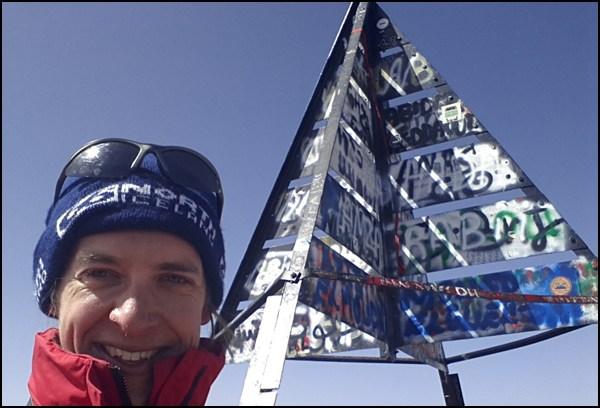 Gipfelglück auf 4000m auf dem Toubkal im Hohen Atlas