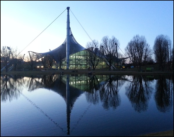 Olympiapark in München am Abend