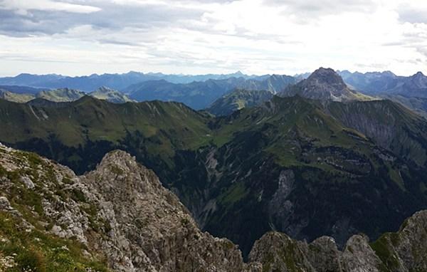 Aussicht von der Hochkünzelspitze in Vorarlberg/ Österreich