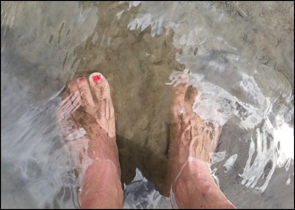 Erfrischendes Fußbad in der Bregenzerach