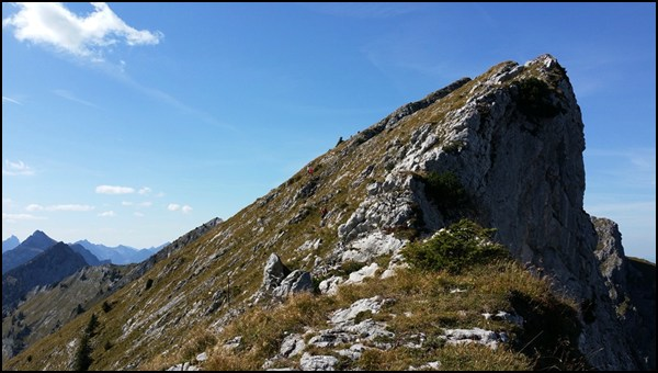 Abstieg von der Krähe Richtung Ammergauer Hochplatte