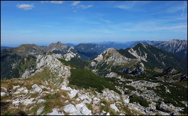 Ammergauer Hochplatte im Abstieg zur Kenzenhütte