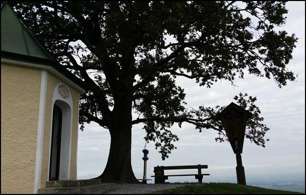 Aussichtskapelle und Luitpoldeiche Samerberg Chiermgau