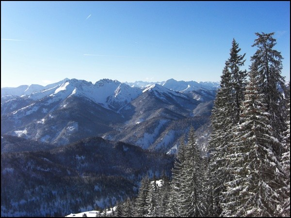 Ausblick während der Winterwanderung auf die Rotwand