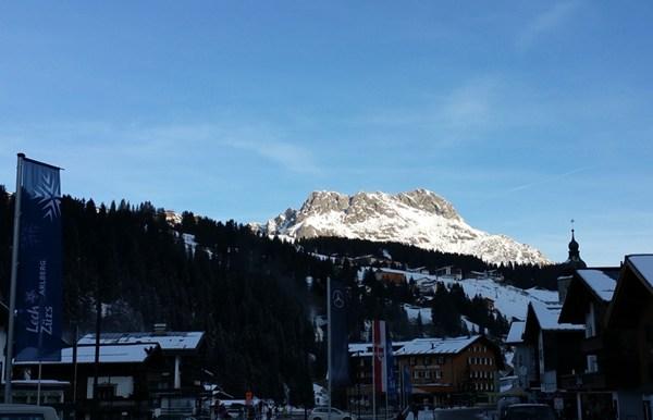 Früher Dezember-Morgen in Lech am Arlberg