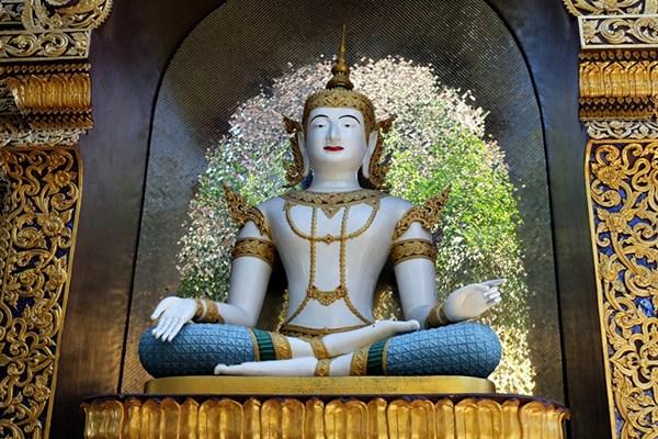 Irgendwo in Thailand...nach einigen Tempel-Besuchern verliert man leicht den Überblick.