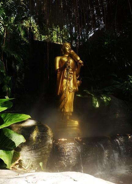 Statue am Goldenen Berg