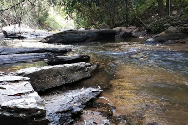 am Fluss in Thailand