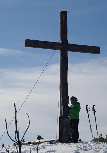 Am Gipfelkreuz der Chiemgauer Hochplatte