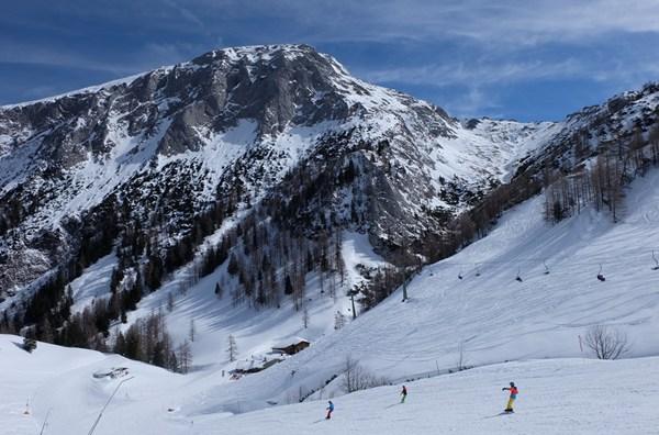 Das Brett über dem Jenner Skigebiet