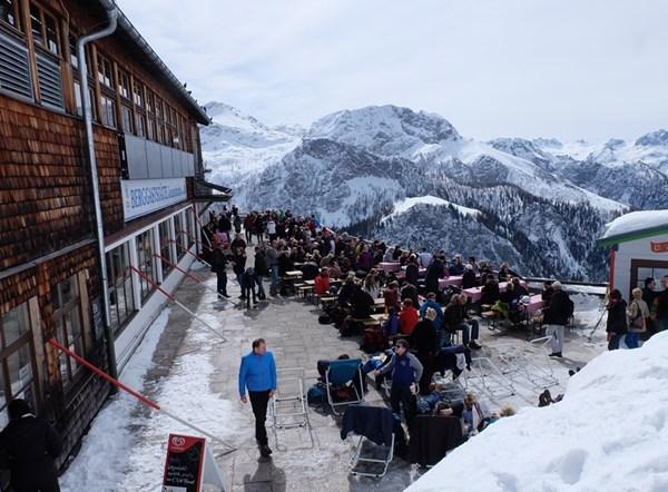 Gasthof an der Bergstation der Jennerbahn. Nunja.