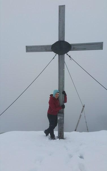 Am Gipfelkreuz des Großen Solstein