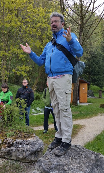 Wie ein Berufs-Wanderer seine Wandergruppe begrüßt