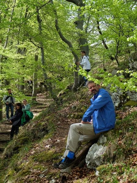 Wander-Lektion von Manuel Andrack im Wald am Wasserfallsteig