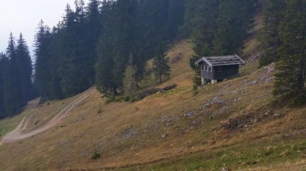 Ein paar Hundert Meter vorm Gipfel: der Nieselregen beginnt