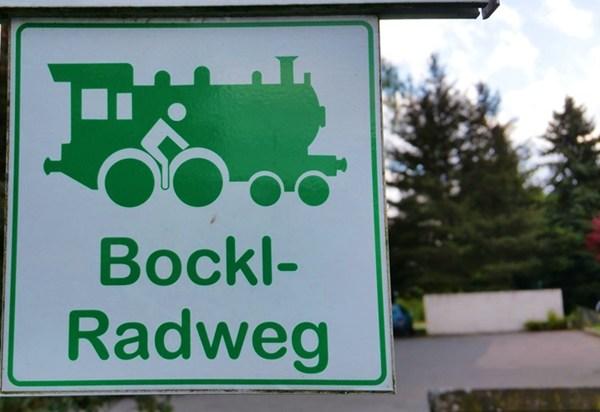 Beschilderung am Bockl-Radweg