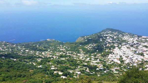 Blick vom Monte Solaro auf Capri