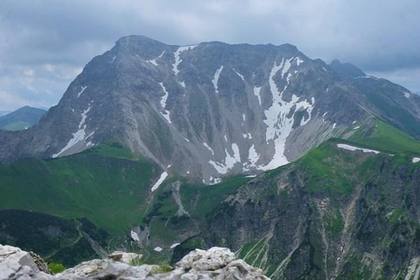 Gipfelbuch: 3 1/2 Gipfel-Bergtour im Tannheimer Tal: Rohnenspitze-Zirleseck-Ponten-Bscheißer