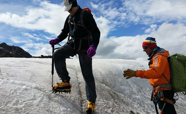 Am Tag zuvor: Steigeisentraining auf dem Gletscher