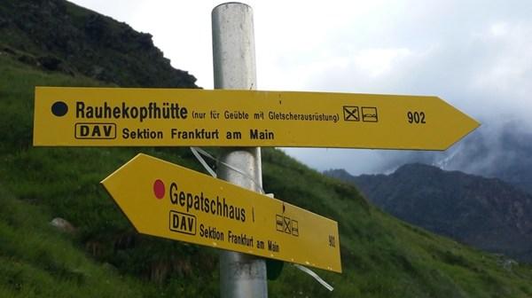 Vom Gepatschhaus zur Rauhekopfhütte