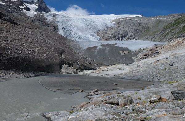 Schlatenkees. Eine faszinierende grau-weiß-blaue Landschaft