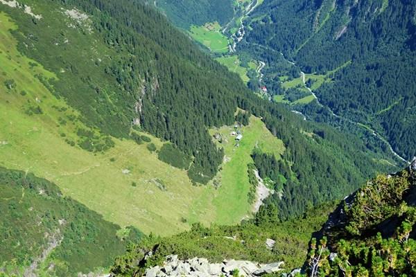 Blick von oben auf die Birglbergalm