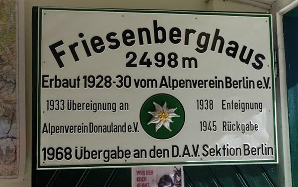 Schild am Friesenberghaus