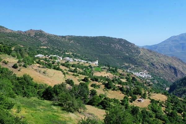 Weiße Dörfer im Valle del Poqueira/ Alpujarra/ Sierra Nevada
