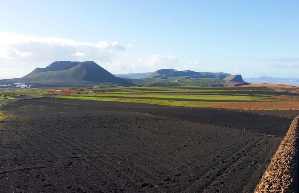 Im Norden von Lanzarote: Ye und der Monte Corona