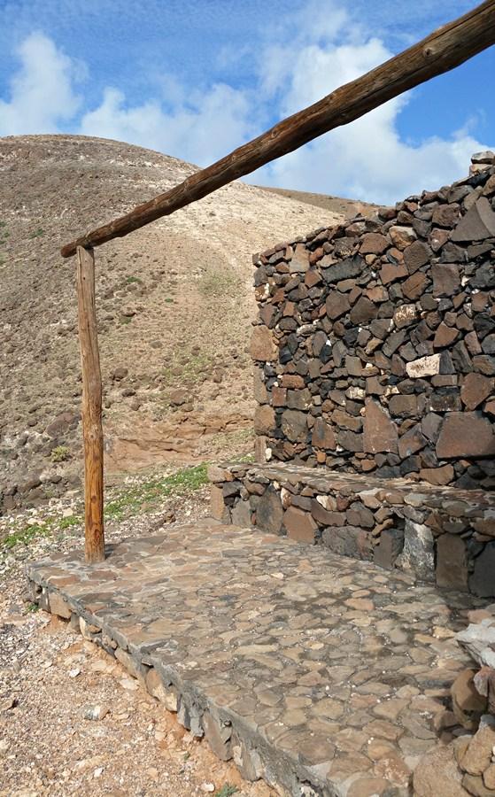 Ehem. Refugio del Aljibe - kein Dach aber immerhin noch ein Windschutz